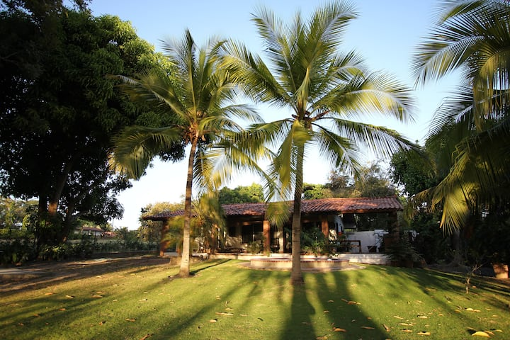 House at the Golf Course - Coronado, Panama City