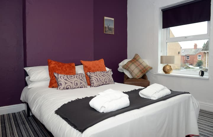 ❤ Perfect for 2020 STAYCATION ❤ Central Wrexham
