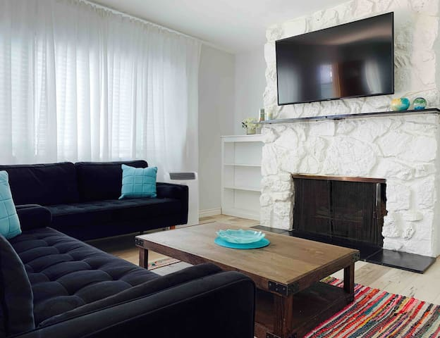 Brentwood - amazing place - shared room!