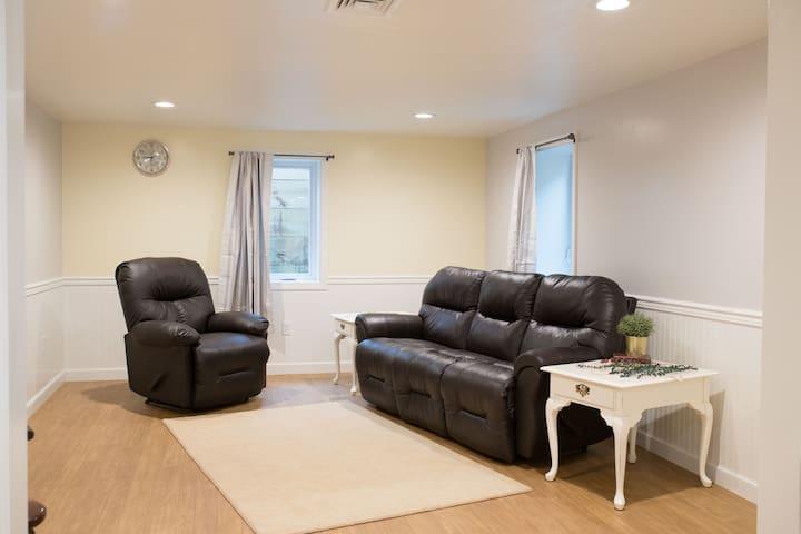 Cozy Apartment in Amish Farmland