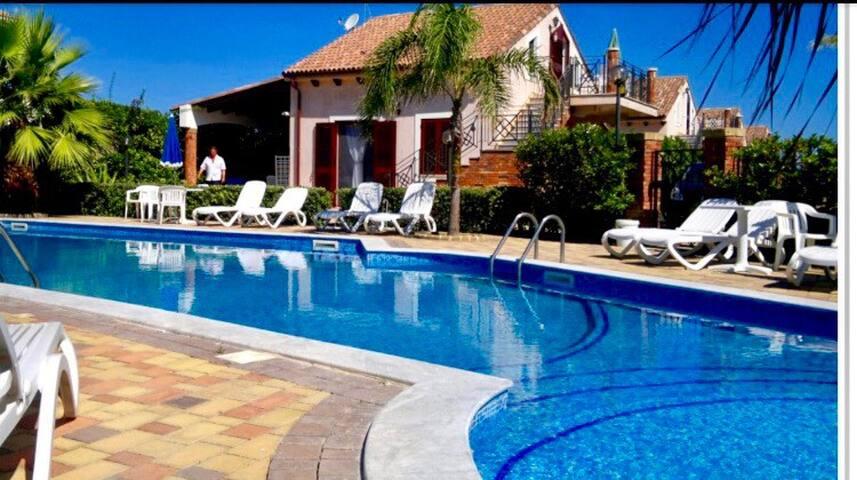 Luxury villa sul mare con piscina vicino Cefalù - Piana Calzata a 10 km da Cefalù - Vila