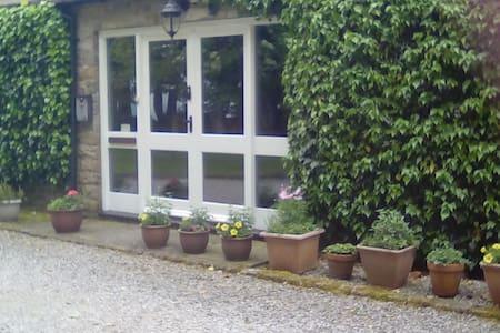 Pencroft - Modern Barn Conversion In Wensleydale