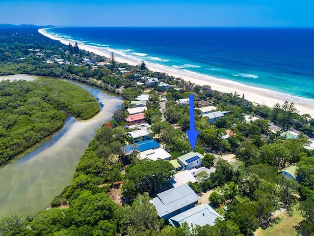 Top Beach House on River +spa, SUP & kayak use