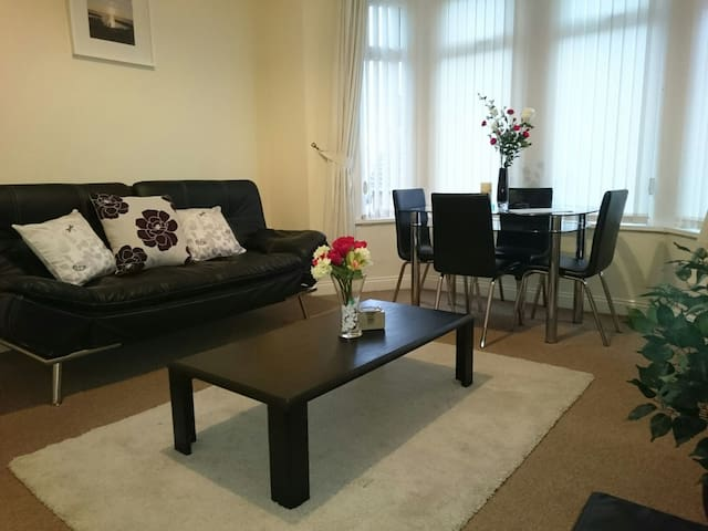 Barry Island Apartment, Nr Cardiff - Barry - Flat