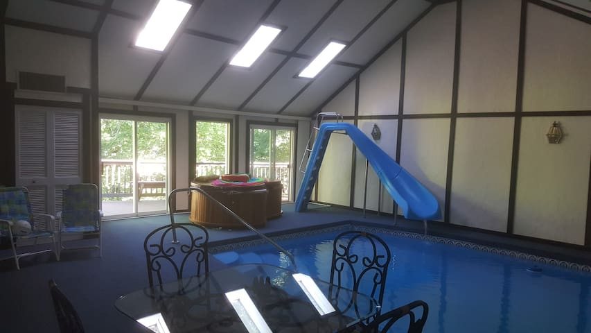 Lake Sanctuary with Indoor Pool near the Airport - Berea