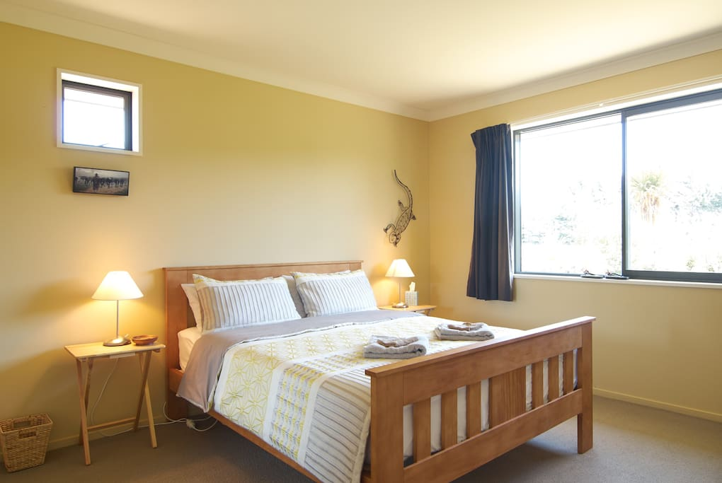 Country dream near chch airport chambres d 39 h tes louer for Chambre airport