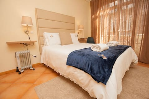 Charming rooms on the city's main street (SÉ)