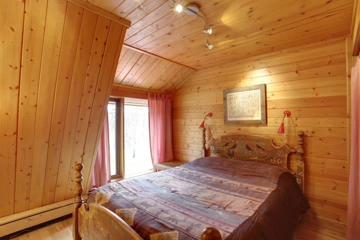 Spruce Bedroom (3)