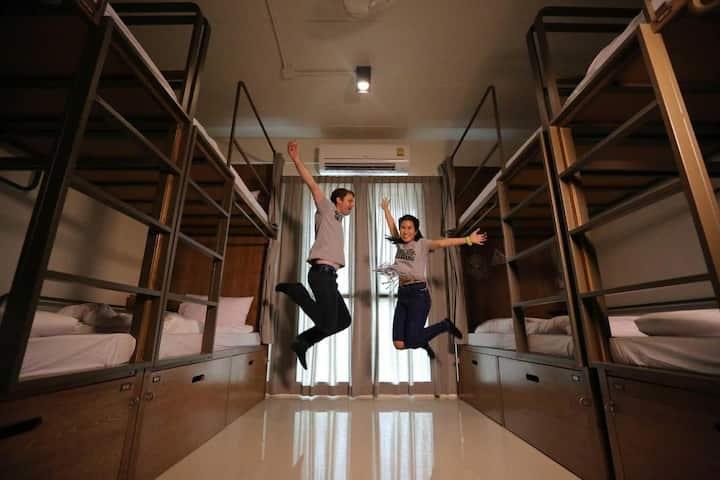 Pop-in Hostel - 8 beds Mixed Dorm