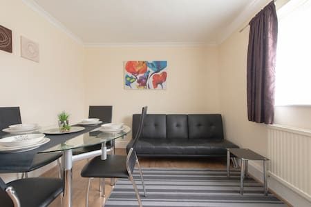 Accommodation near London / Stansted / 3 Bedrooms
