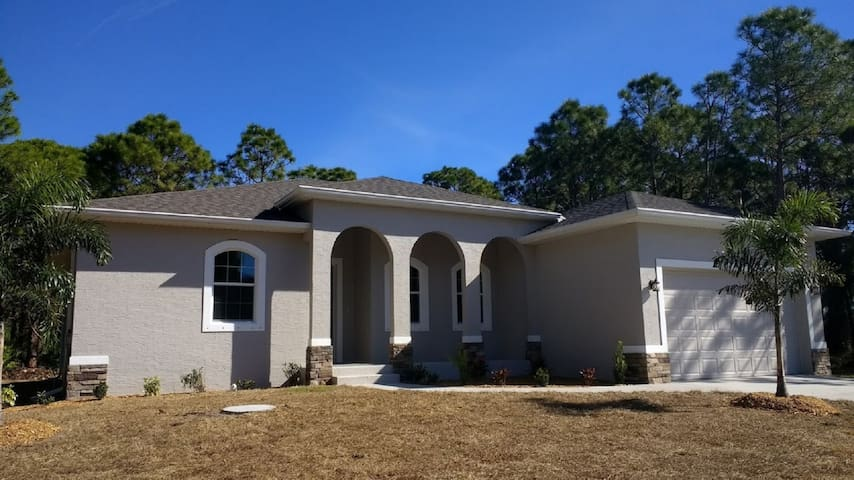 Brand New Home in Placida Near Boca Grande Beaches - Placida - Haus