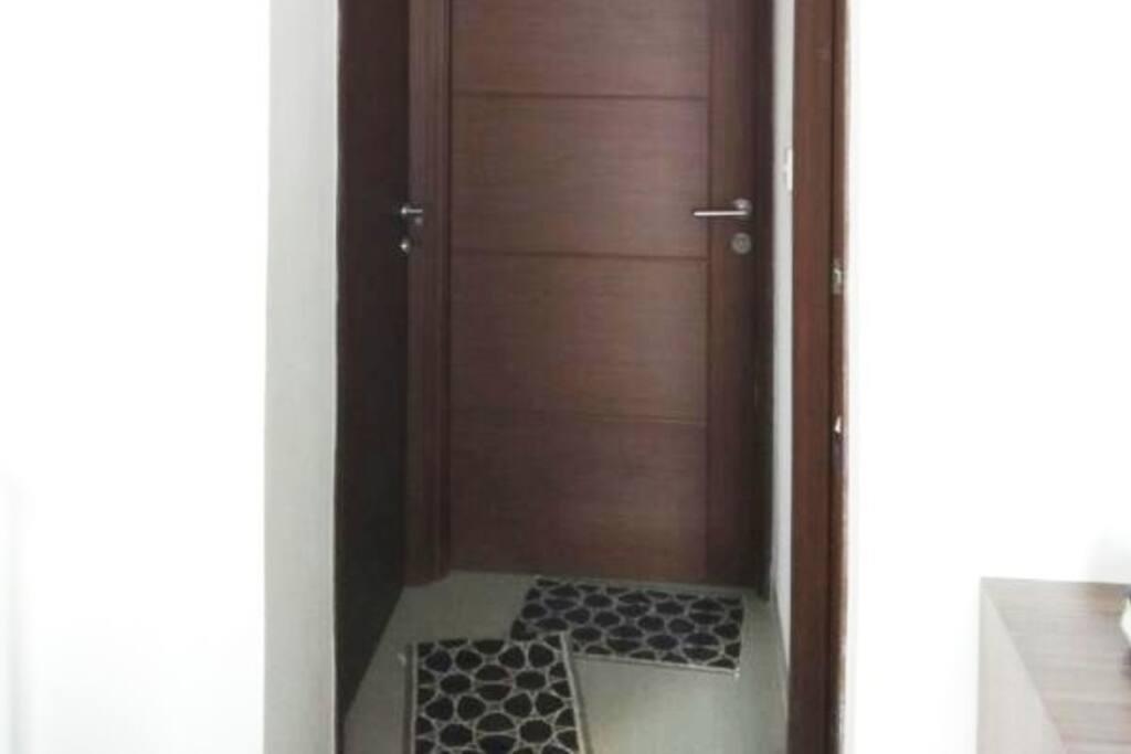 Pintu Masuk K.Tidur dan K.Mandi
