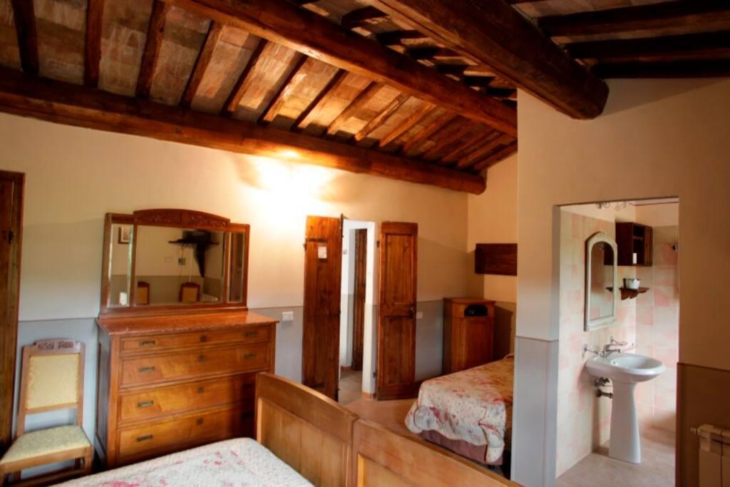 Agriturismo Acquacalda - Spacious bedroom