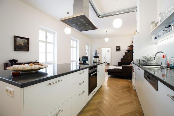 spacious 86mq apartment, top location