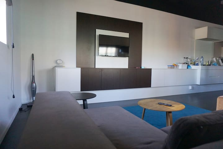 Brand-new apartment in the heart of the city!
