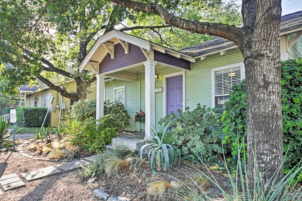 Up to 6 travelers will adore this 'Austin Soul' home - a rare find!