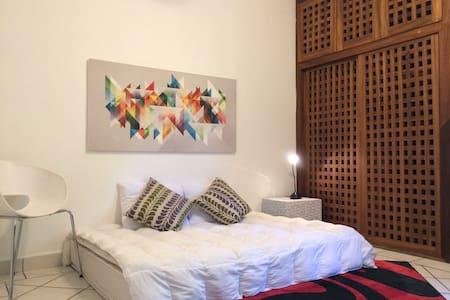 Nice private room in the best area of Vallarta - Puerto Vallarta - Casa