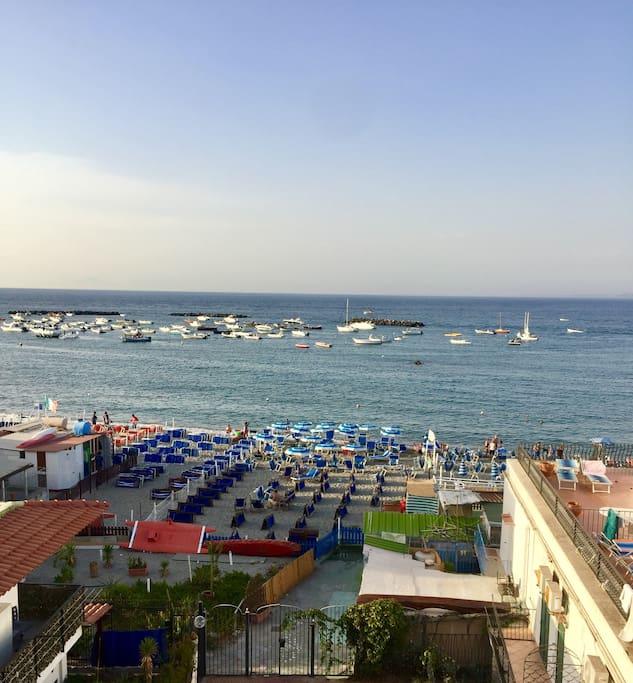 Vista-Uscita sulla spiaggia (10 secondi dal mare)