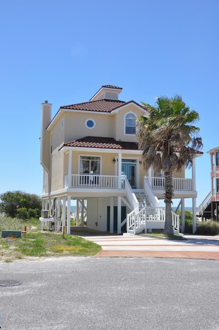 Beautiful Beachfront Home + All Resort Amenities!