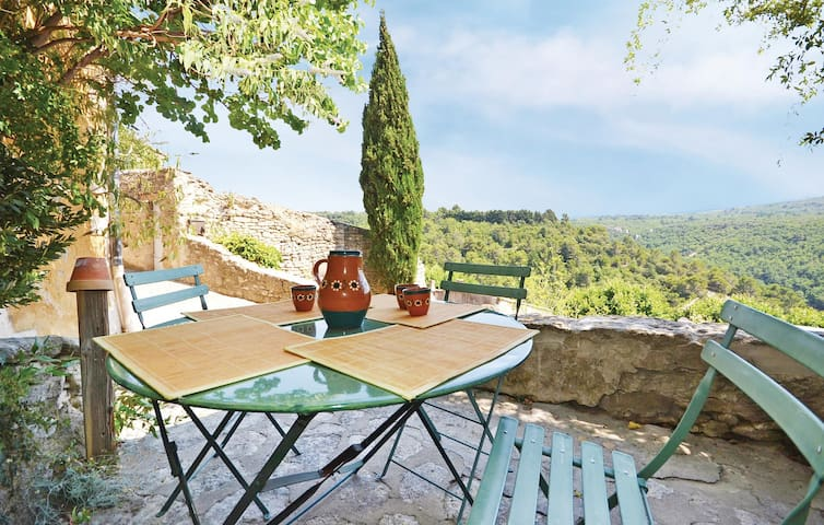 Holiday apartment with 2 bedrooms on 80m² in Bonnieux