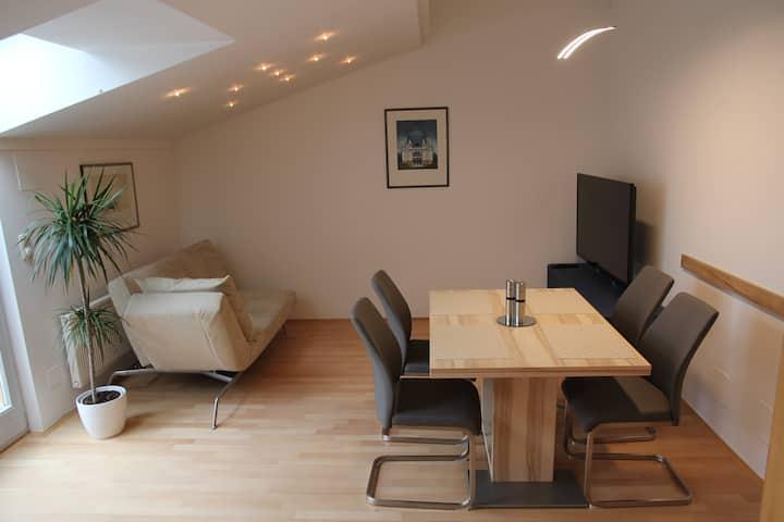 romantic, bright, quiet 56m2 attic apartment