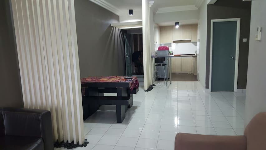 Spacious & strategic location - Kuala Lumpur - Apartment