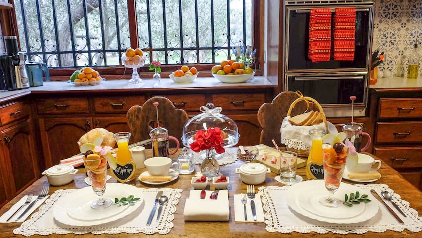 Gourmet Breakfast Relais in Olive Grove Chateau