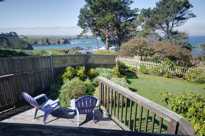 Oceanview home w/fireplace, front and back decks, landscaped grounds & jet tub