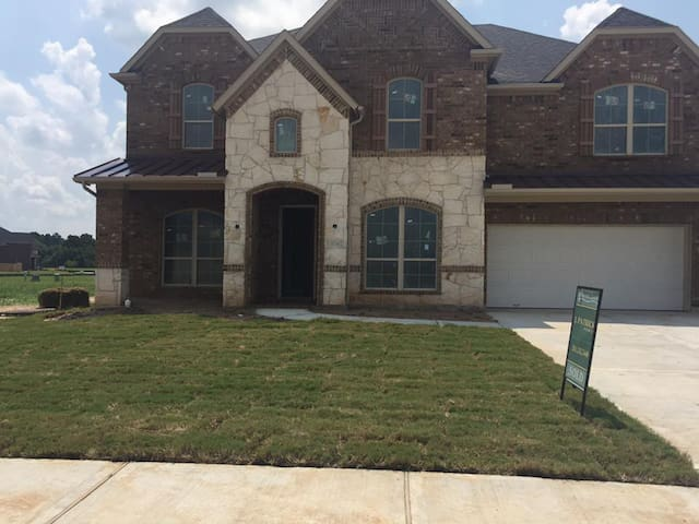 Large Richmond Home available for Rent - Fort Bend County - Дом