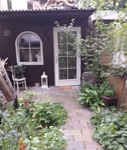 Charming bohemian garden house - Amsterdam