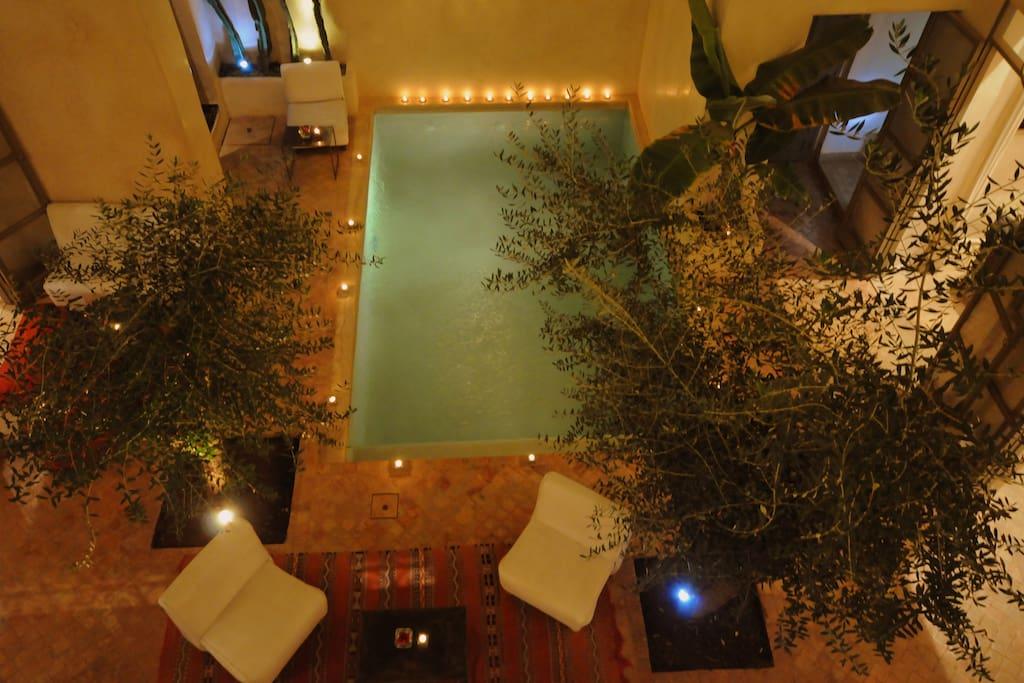piscine de nuit au riad vendome