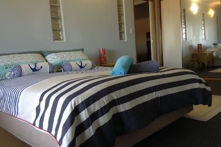 Bay Cottage - Bateau Bay - Apartemen