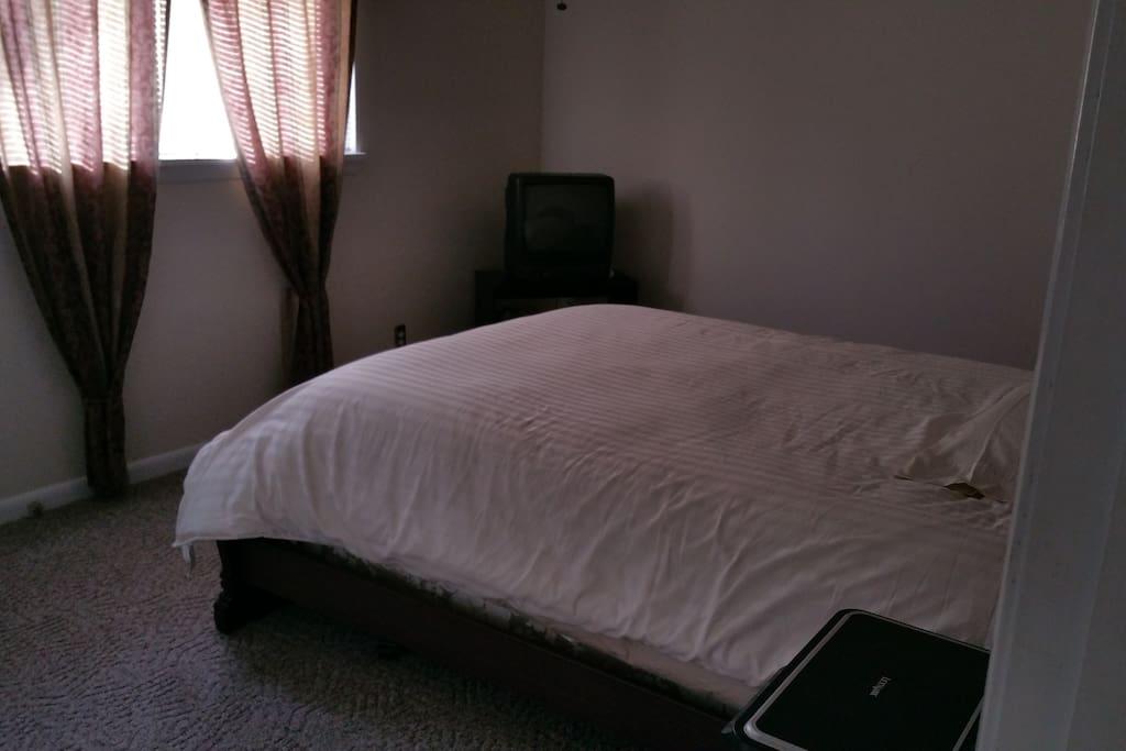 Quiet Beautiful 2 Bedroom Condo Condominiums For Rent In