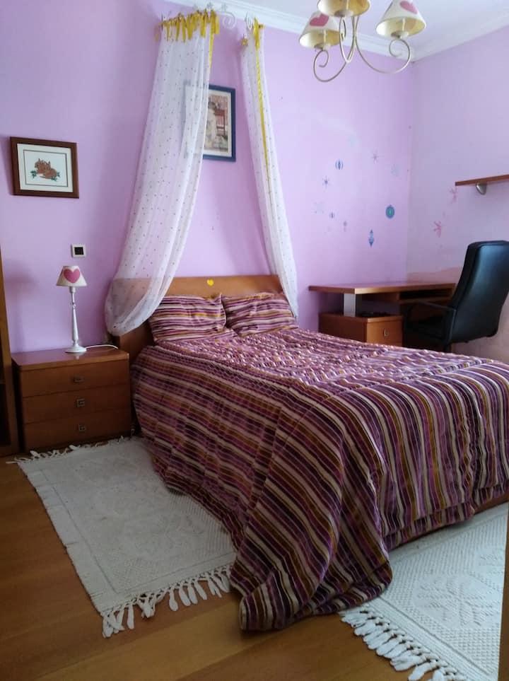 Twin bedroom London