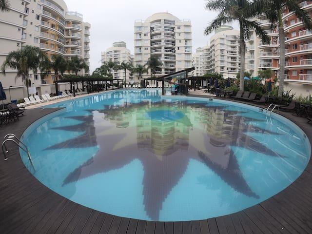 Lindo apartamento próximo ao mar e Beto Carrero!