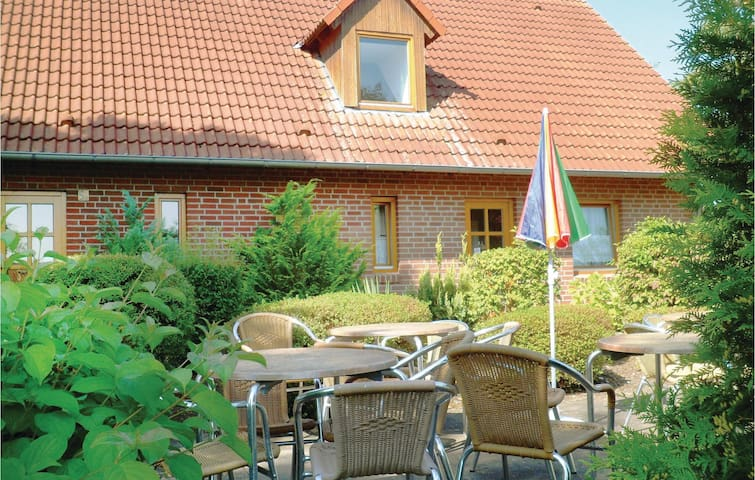 Holiday apartment with 2 bedrooms on 75 m² in Brakel OT Bellersen