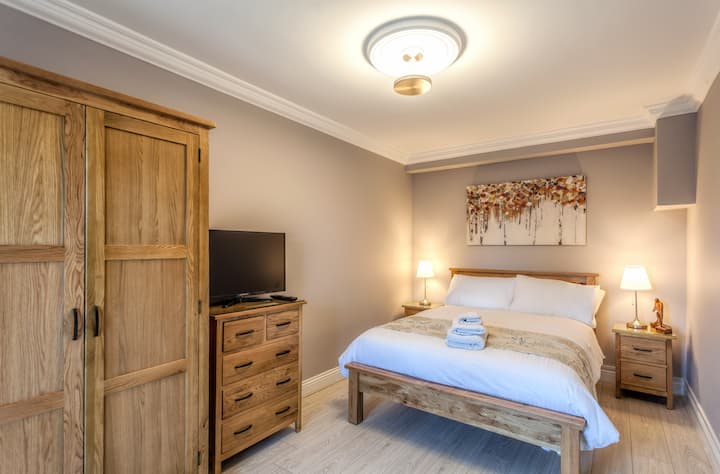 Double Bedroom - Tintawn Guesthouse, Toraigh.