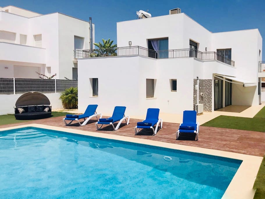 Holiday Villa Topaz in Jesus near to Ibiza is a perfect base for your stay. One of the best location on the island, peaceful and relaxing but only 5 min to all the Ibiza action.