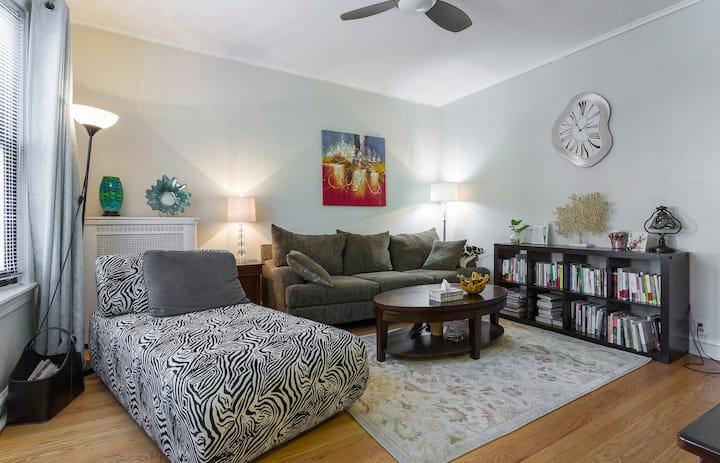 Cozy apartment near Michigan lake shore