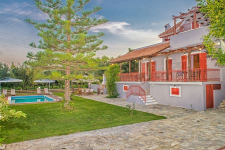 Villa Arokaria with private pool - Marineika - House