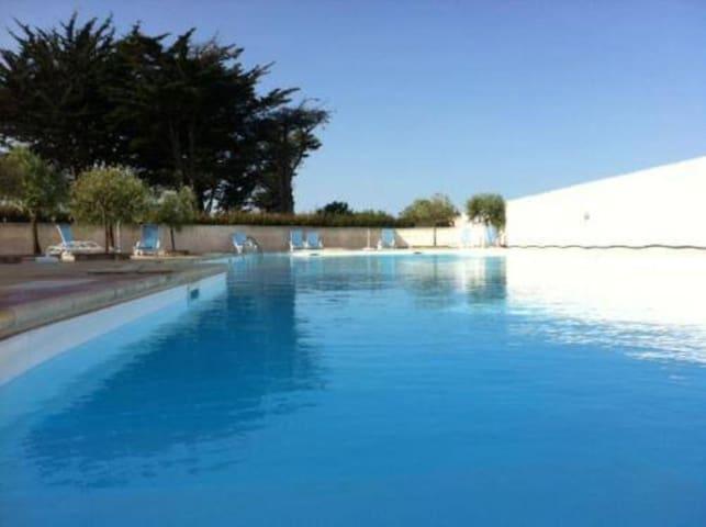 Charmante Maison 6 pers. piscine à La Flotte en Ré