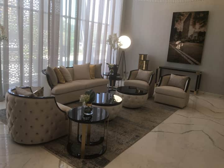 7 Stars Studio in Damac
