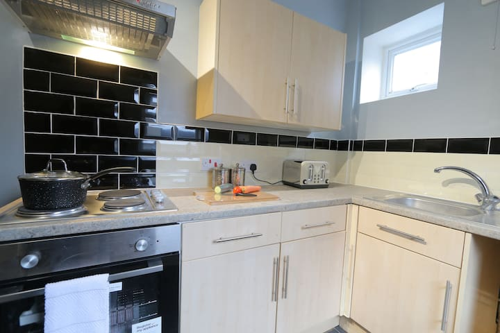 Lovely 2 bed apartment Close of Amenities