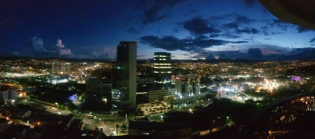Amazing view of Tegucigalpa, 3 bedroom apartment.
