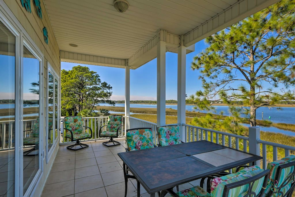 Experience the Sunshine State in luxury from this 3-bedroom, 3.5-bathroom Carrabelle vacation rental house!