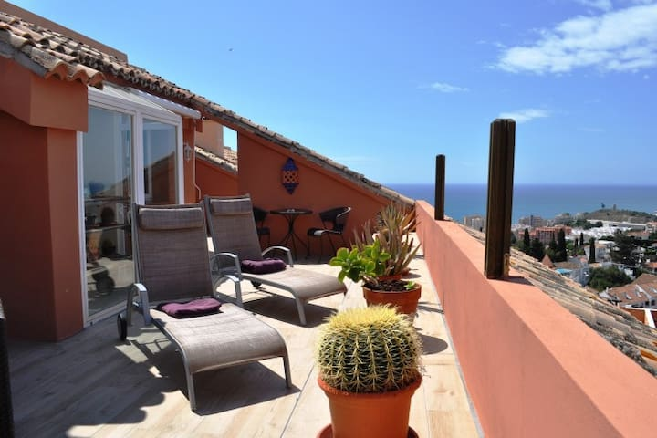 2BR Luxury penthouse with views - Fuengirola Hills