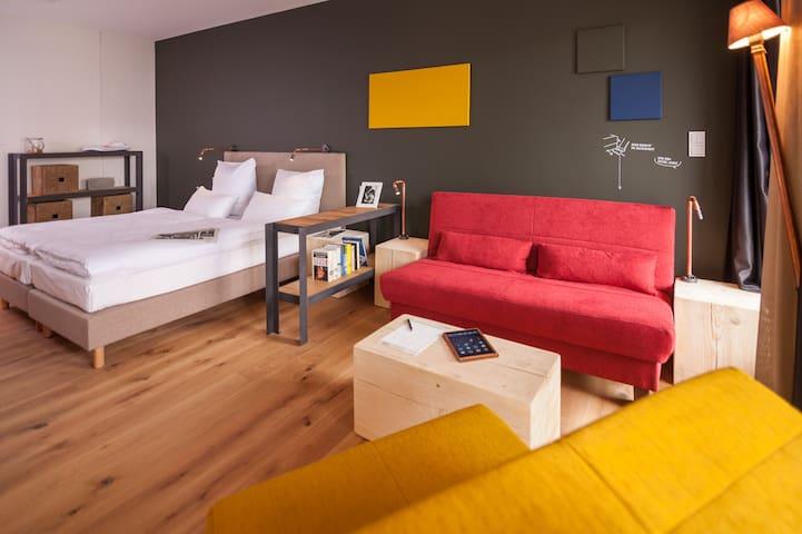 FELIX Suiten im Lebendigen Haus am Zwinger, (Dresden), Suite M, 51qm, 1 Schlafzimmer, max. 4 Personen