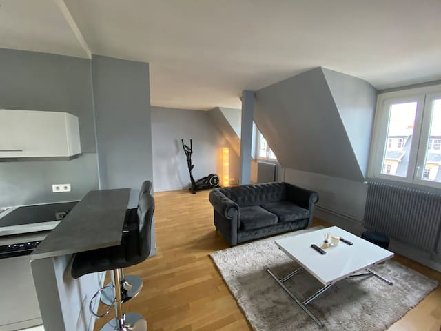5 MN FROM ARC TRIOMPHE PARIS 4 PEOPLE LUXURY PLACE