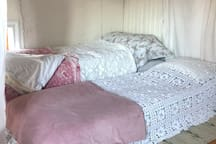 The white room, prepared with an extra mattress and bed 8 is ready.