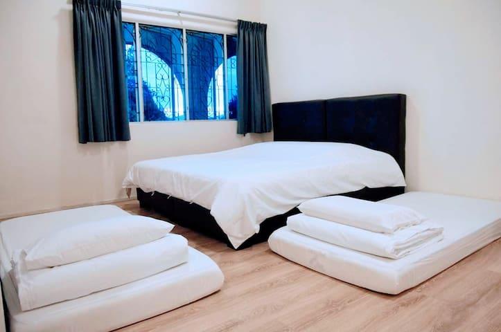 Lower floor Room 2